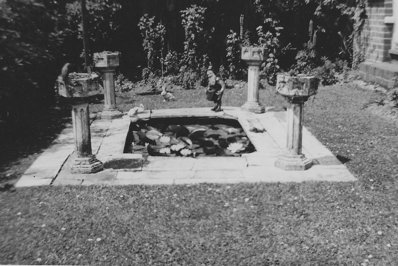 A 1950s Garden No 3