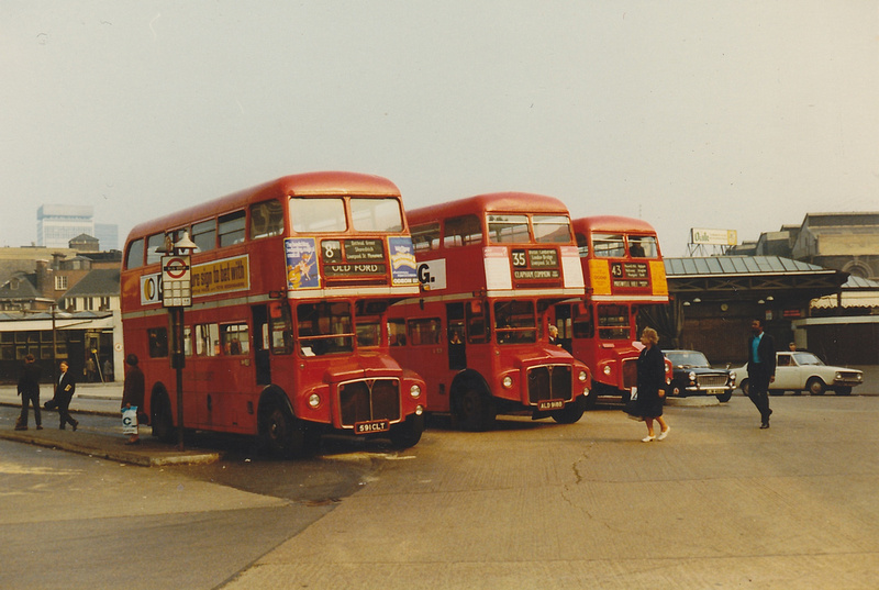 Bus Stand At London Bridge Station 1960s RM 591 CLT And ALD 918B