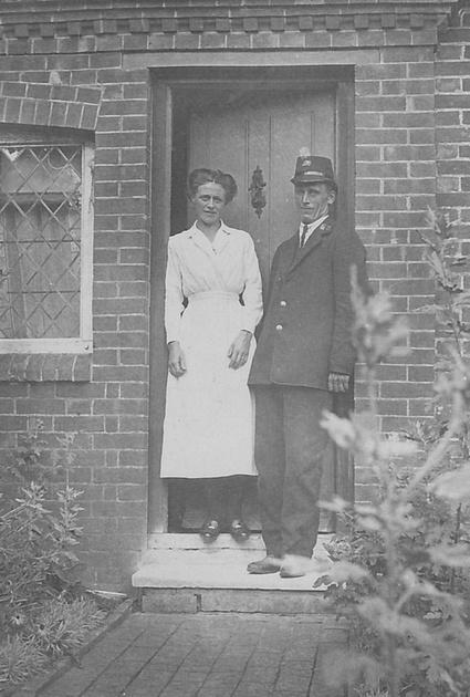 A British Postman c 1910