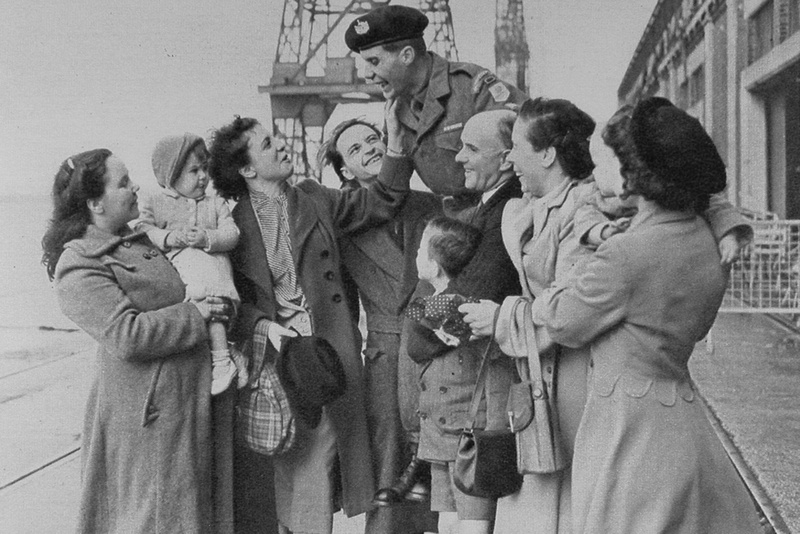 Pte Anthony Eagles Of The Gloucestershire Regiment Greeted By His Family 1953