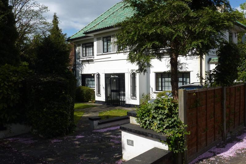 Art Deco Style House Chiltern Road Sutton