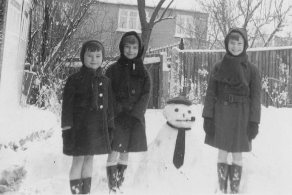 Building A Snowman 1950s