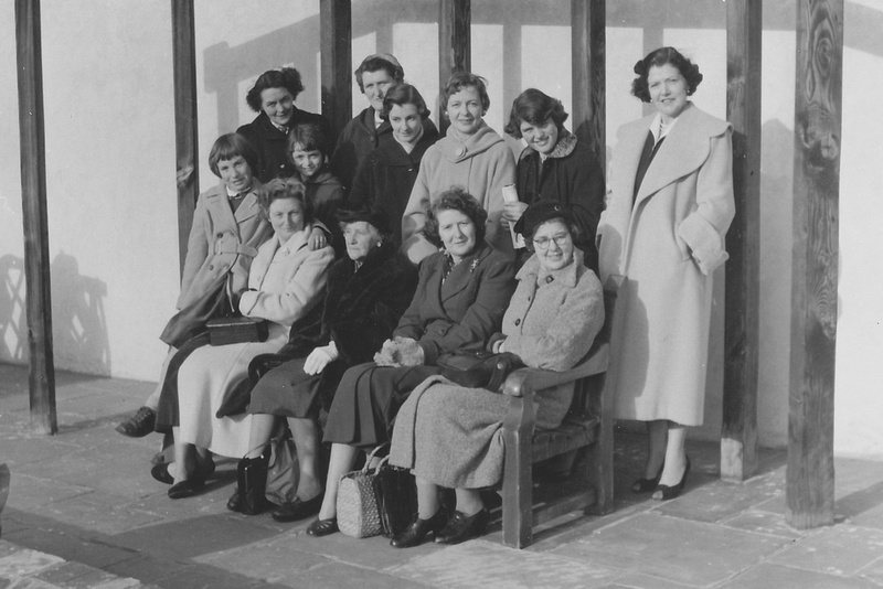 A Ladies Day Out In The 1950s