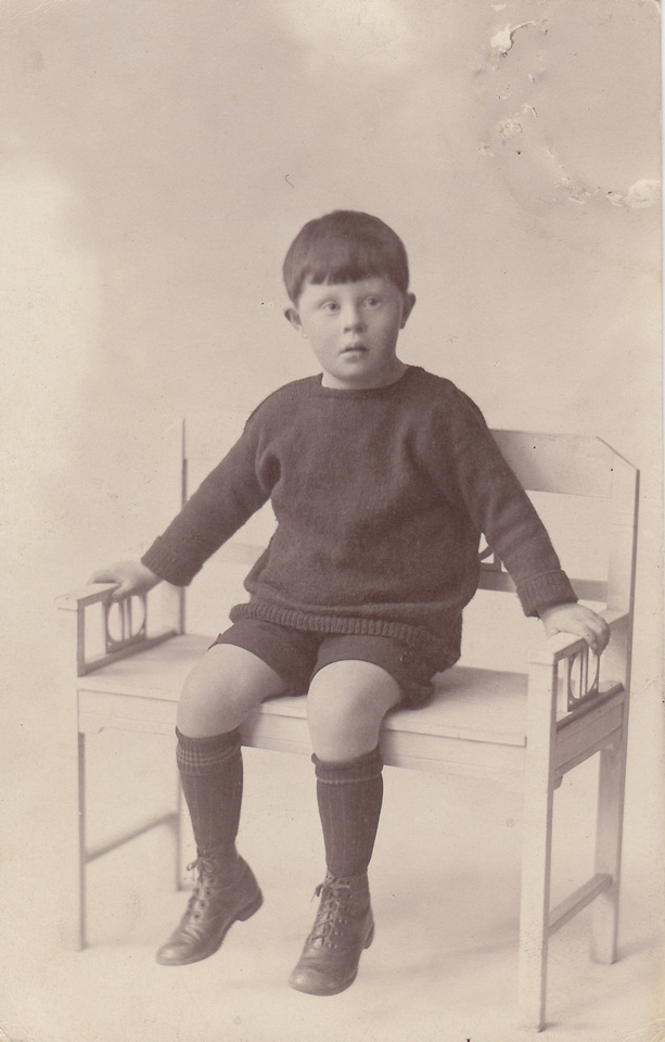 Fergus Kay Crooks Dec 1924