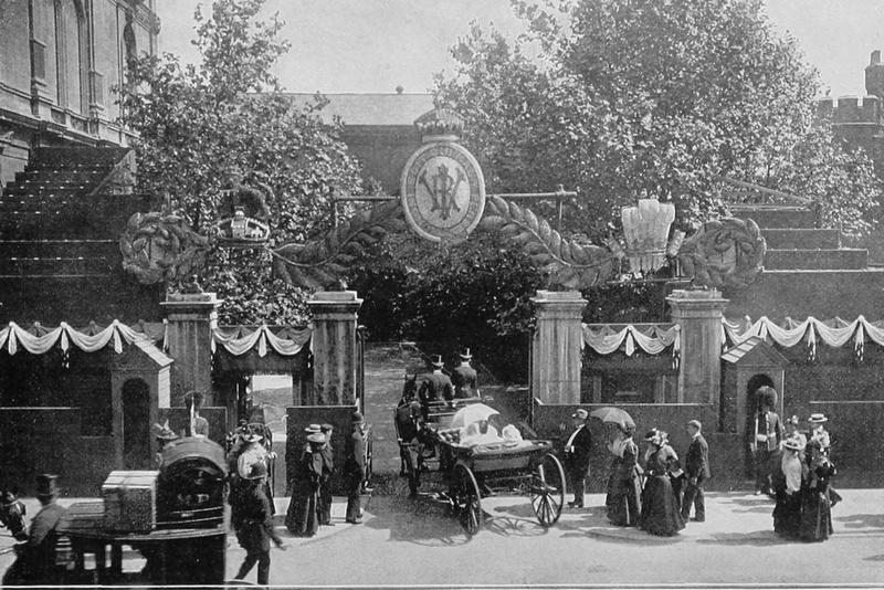 The Children Of The Duke And Duchess Of York At The Gateway Of Marlborough House 22nd Jun 1897