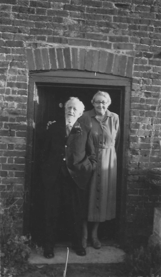 Alfred James Stubbs Aged 101 With His Daughter Lucy Winifred Chilvers (Nee Stubbs)
