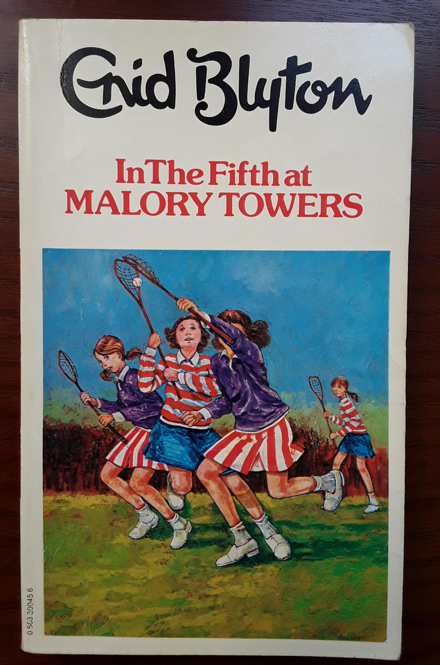 Book 5 In The Fifth At Malory Towers 1973 Edition Dragon
