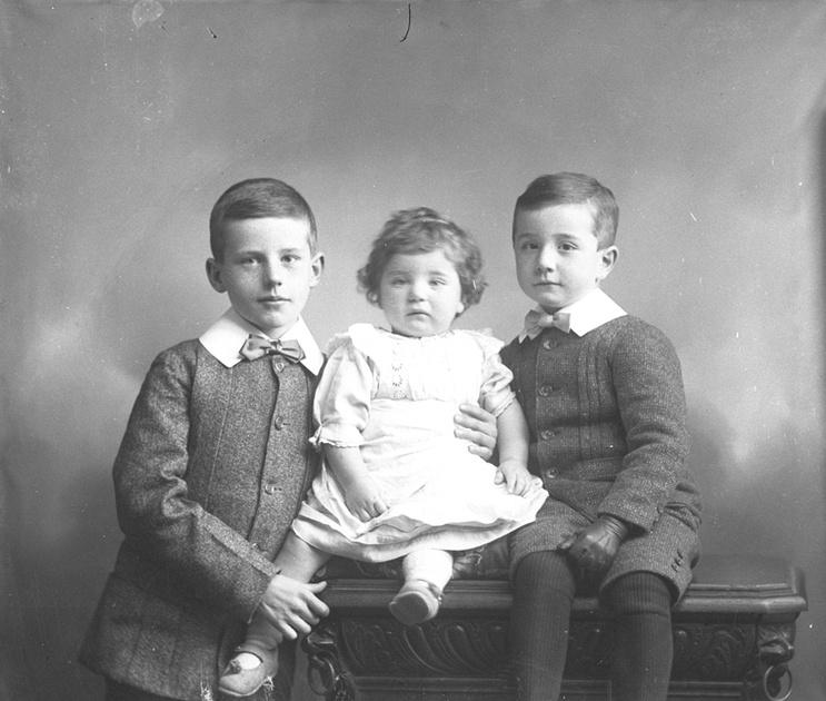 Dashwood Children 25th Nov 1909