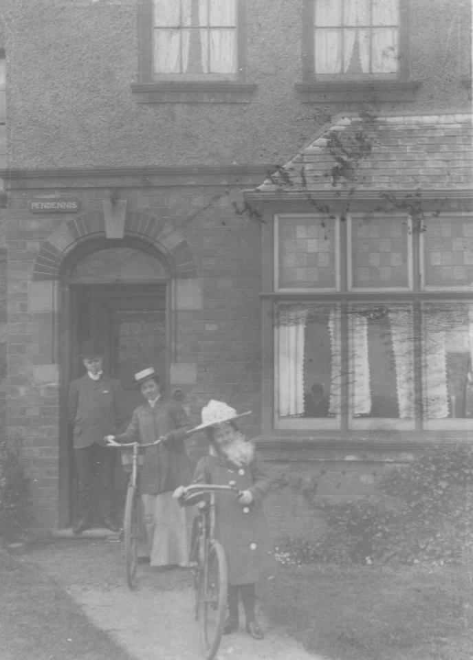 Lewis. Blanche And Elsie Crump 1903