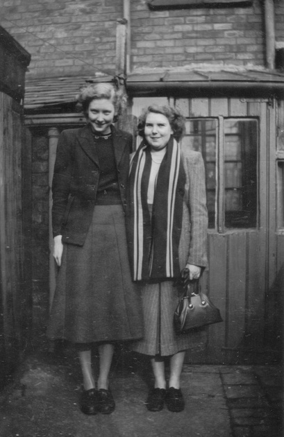 Lilian And Doreen Brownbill 308 Boundary Road St Helens Lancashire 1952