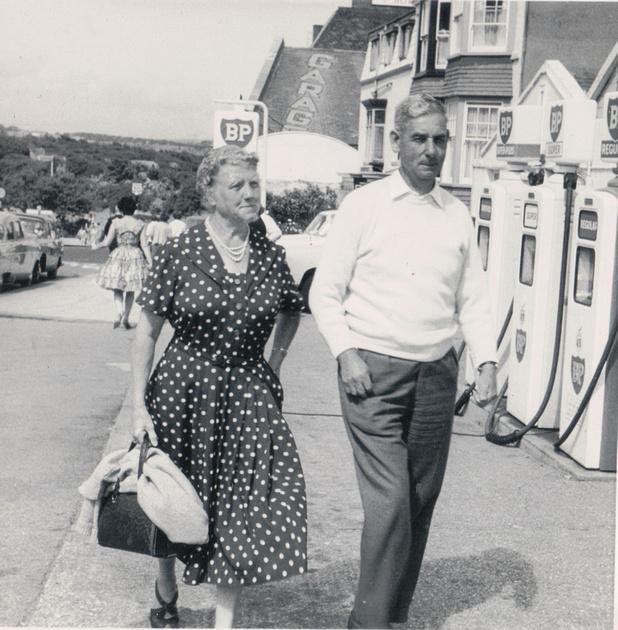 William And Elizabeth Brownbill Scarborough 1965