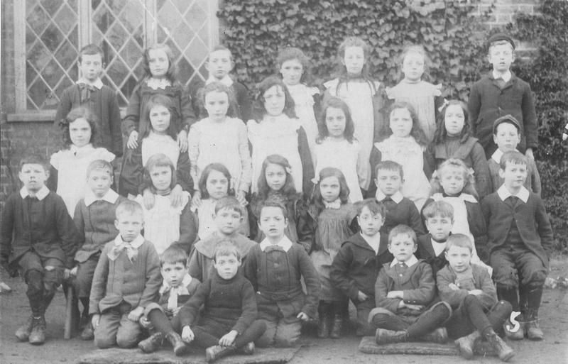 St Giles School Pupils 1906