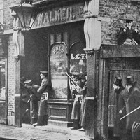 Police And Soldiers In Stepney 3rd Jan 1911 During Sidney Street Siege Winston Churchill Then Home Secretary Present