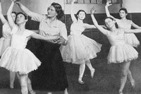 Ballet School In Bernhard Baron St Georges Settlement Off Commercial Road 1950