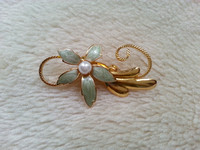 Vintage Enamel And Faux Pearl Gold Tone Flower Brooch