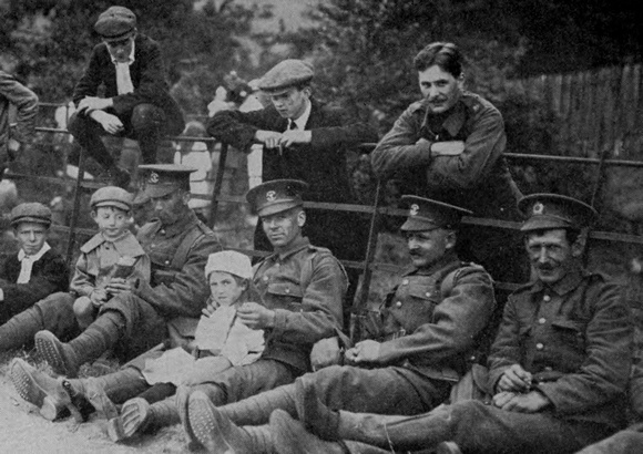 Soldiers Of The 4th Division In Harrow Where They Have Their Camp Sep 1914
