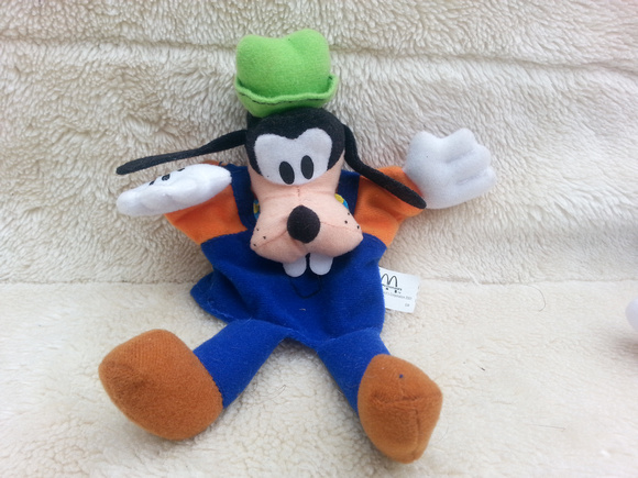 McDonald's Toy Disneyland Paris Plush Toy 2001 Goofy