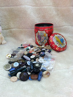 500 Vintage Buttons In 1950s Budgie Biscuit Tin